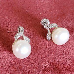 Jewelry - Sterling Silver pearl earings